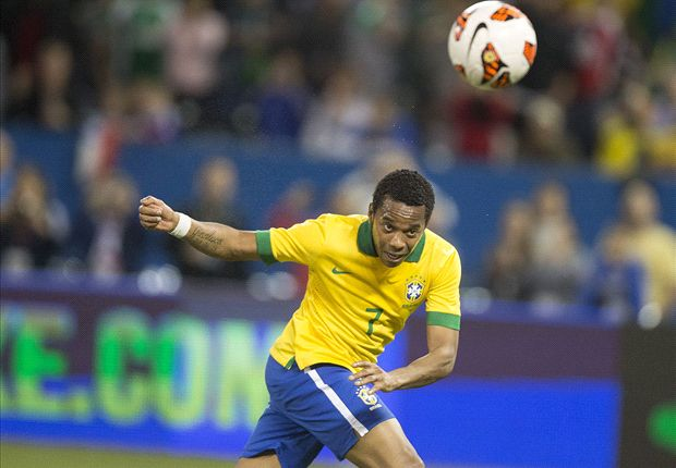 Robinho sets sights on World Cup dream