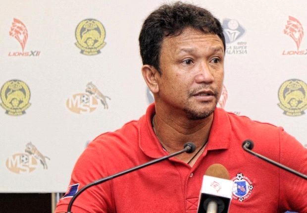 The Singapore legend will be in the LionsXII hotseat in 2014.