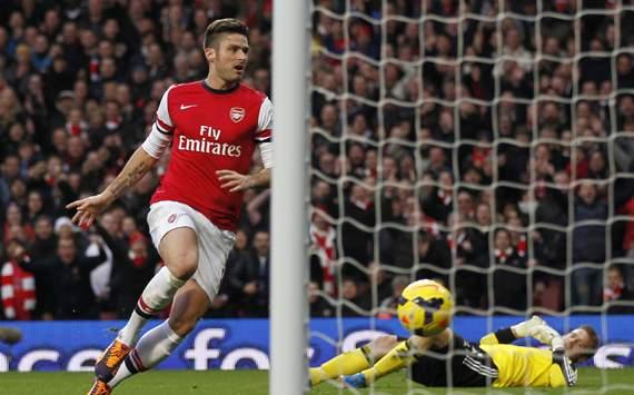 Olivier Giroud Arsenal Southampton EPL 23112013
