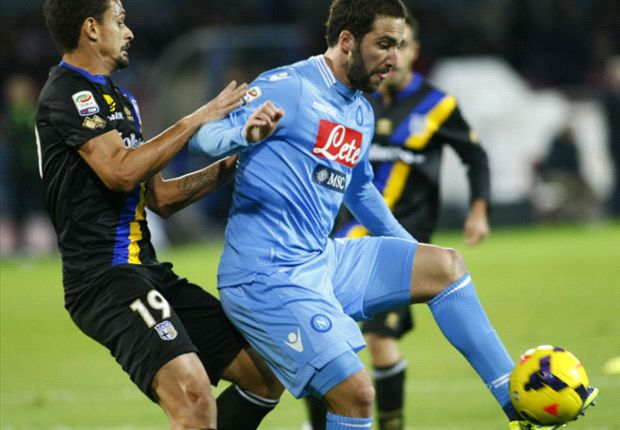 Napoli 0-1 Parma: Late Cassano strike dents Partenopei's title hopes