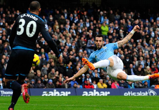 City-Torjäger Alavaro Negredo setzt beim Schützenfest gegen Tottenham den Schlusspunkt