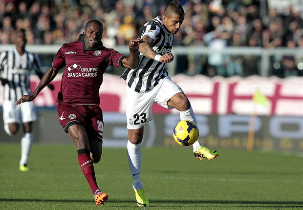 I might just play Vidal at centre-back - Conte