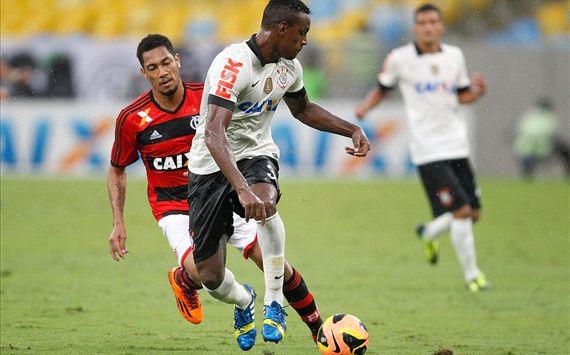 Hernane, Cleber - Flamengo x Corinthians