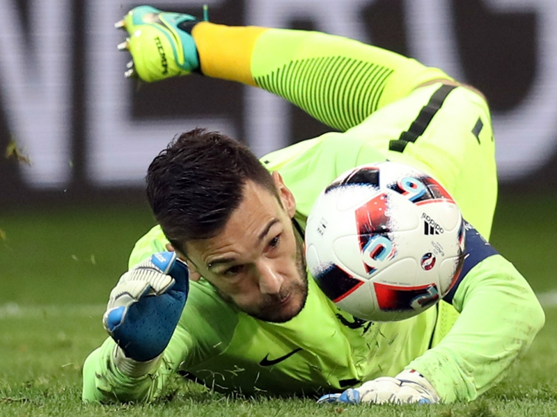 Spurs keeper Lloris out for four weeks