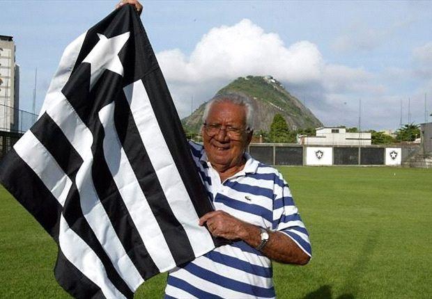 Brazil legend Nilton Santos dies
