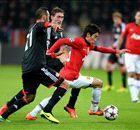 Giggs and Kagawa shine as United hint at midfield potential