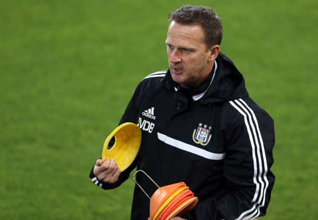 Van den Brom proud of Anderlecht players despite Benfica loss