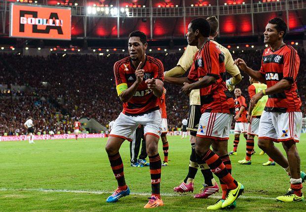 Hernane celebra su segundo gol, con el cual definió la serie y el partido.