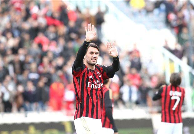 Maldini jugó 25 temporadas en Milan.