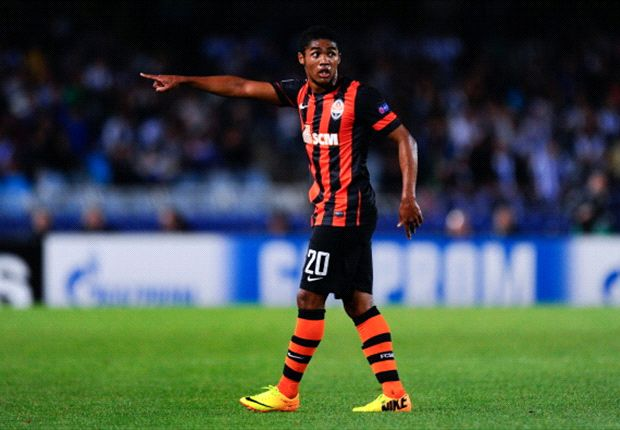 Douglas Costa: Shakhtar failed to take chances against Manchester United