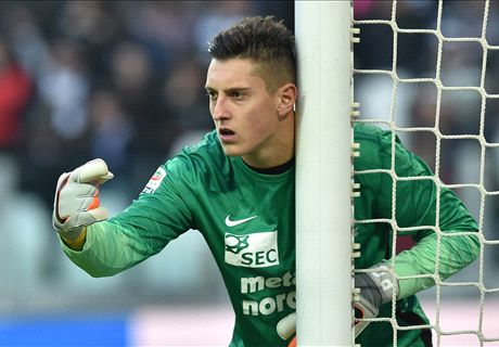 Goalkeeper snubs Juve... for Aston Villa