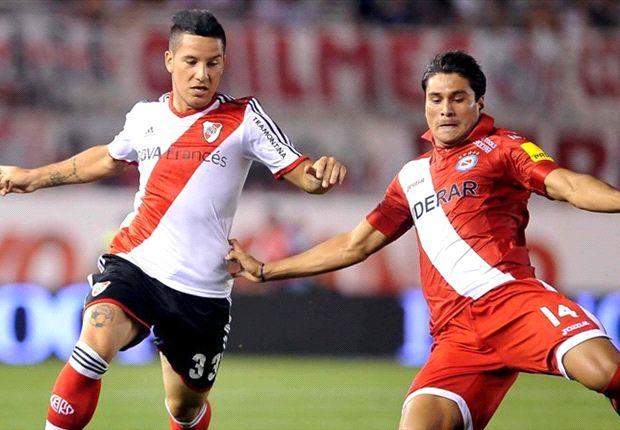 River quiere retener la punta ante Argentinos.