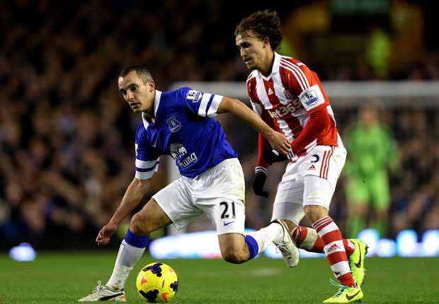Stoke boss Hughes defends Muniesa selection