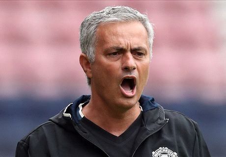 Mou only winner in China shambles