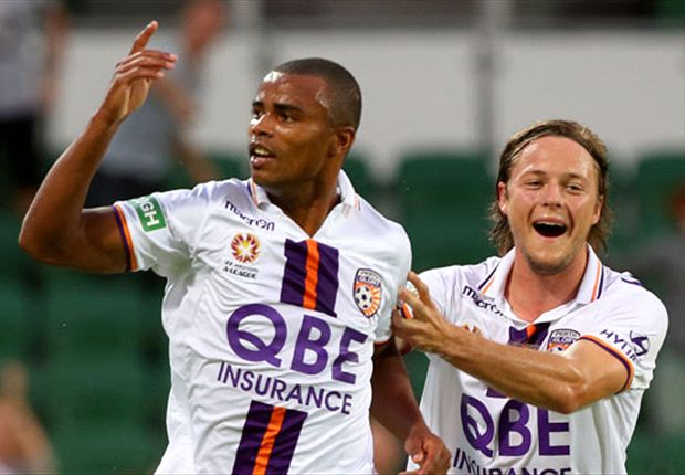 Sidnei signs new Glory deal