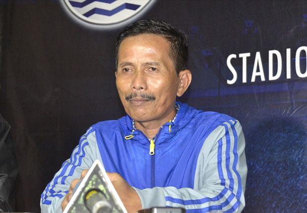 Djajang Nurjaman mengaku belum bisa mengambil keputusan terkait permasalahan Sergio van Dijk