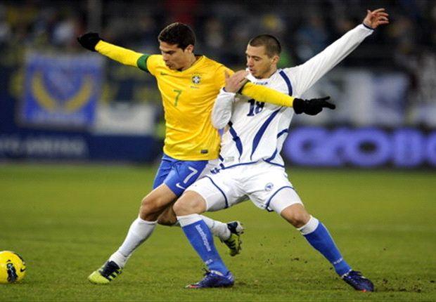 Hernanes: World Cup will bring the best out of Brazil