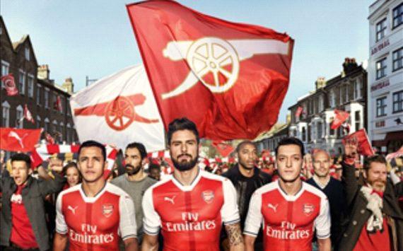 Janji Nikah Pasangan Fans Arsenal NY