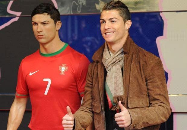 Cristiano Ronaldo posa en el Museo de Cera.