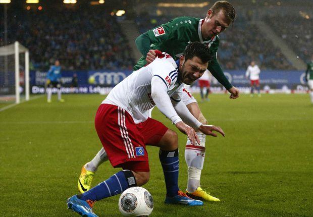 Van Marwijk ziet HSV verliezen van Verhaegh en co