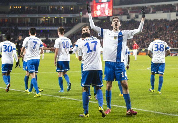 Havenaar juicht na de 1-2 tegen PSV