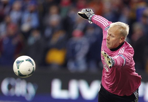 Sporting Kansas City goalkeeper Jimmy Nielsen announces retirement