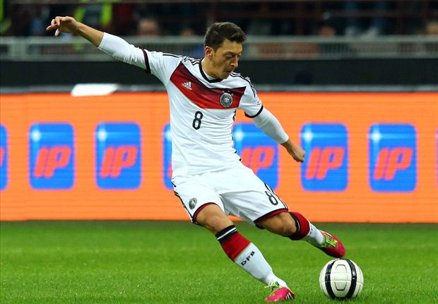 Arsene who? No chance of Ozil being dropped by Germany