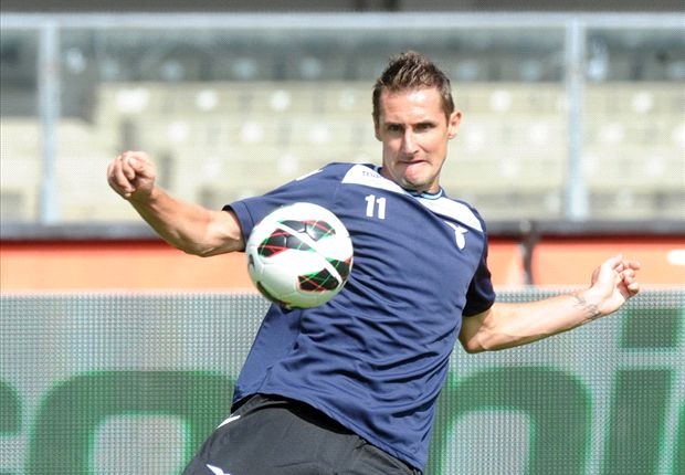 Klose dismisses Bayer Leverkusen rumours