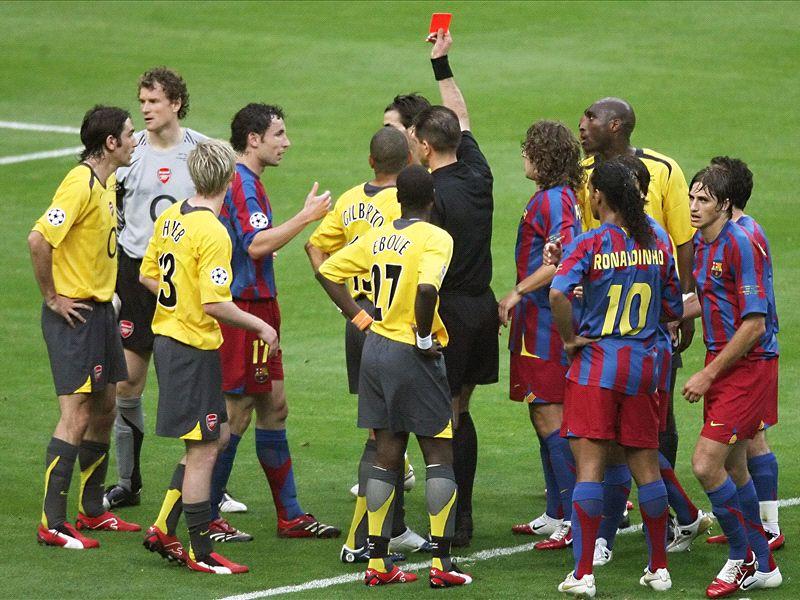 La défaite en finale de la Ligue des champions 2006 face à Barcelone : le plus gros traumatisme de Wenger à la tête d'Arsenal