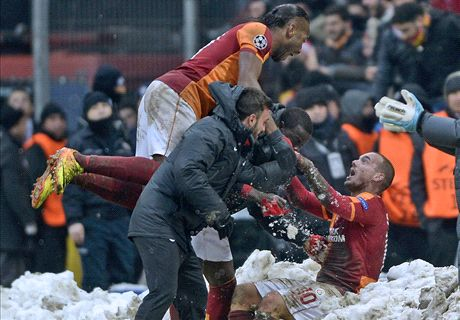 All hail Sneijder: Juventus crash out