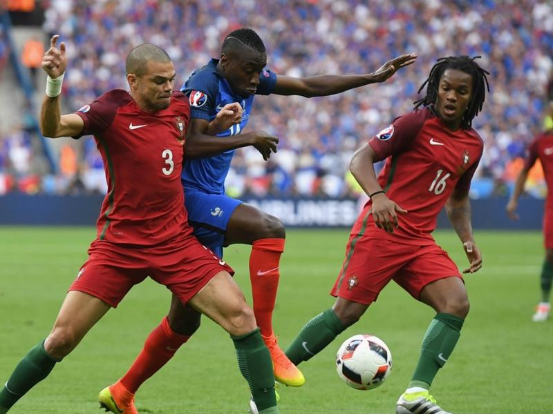 أوناي إيمري: باريس لن يفرط في «اللاعب الرائع»