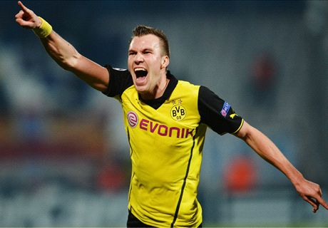 Grosskreutz sends Dortmund through