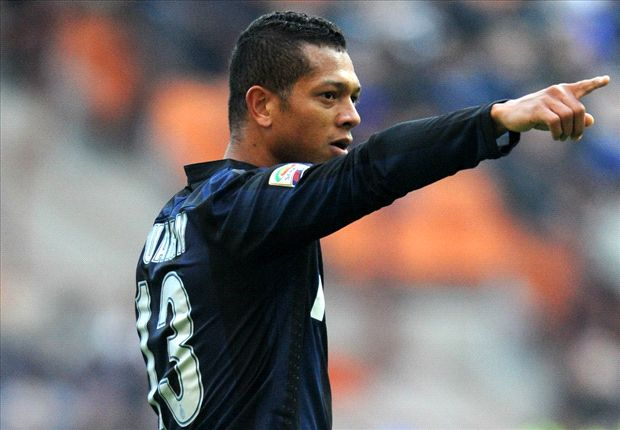 Guarin confirms agent talks with Chelsea