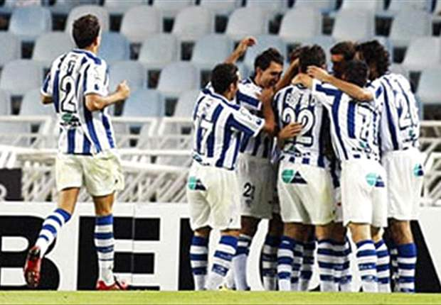 Real Sociedad 3-2 Malaga: Arsenal loanee Carlos Vela & Diego Ifran both net in final minute to clinch dramatic victory for Basque hosts