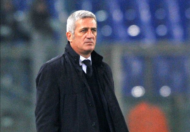 Lazio sacks Petkovic