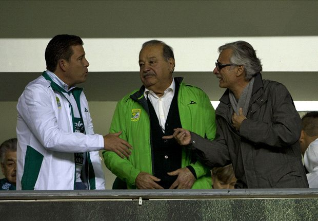 Slim regala y Herrera explota