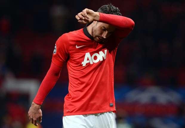Moyes happy to be patient with injured Van Persie