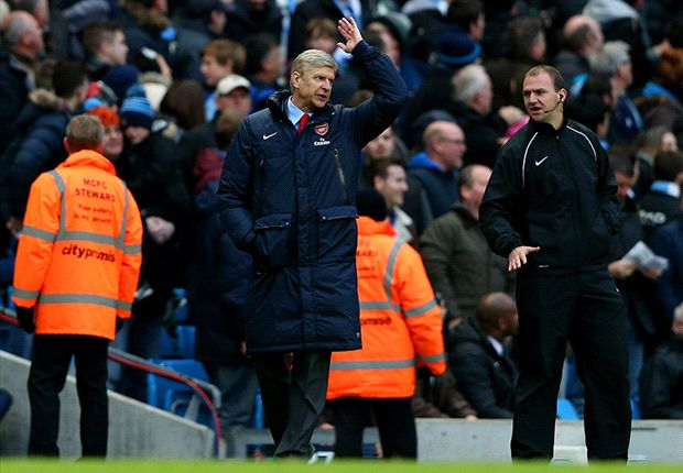 Wenger: Arsenal denied '100 percent' penalty against Chelsea