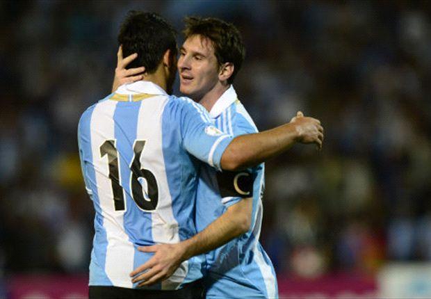 Aguero sebut Messi berada di dimensi berbeda dari Ronaldo.