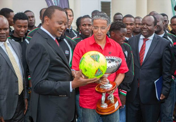 Kenya President Uhuru Kenyatta with Harambee Stars players in a past photo.
