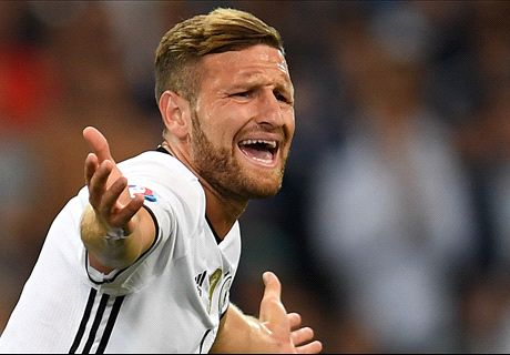 RUMOURS: Arsenal open Mustafi talks