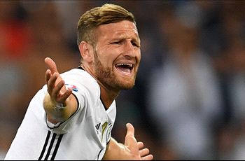RUMORS: Arsenal in talks to sign Valencia defender Mustafi