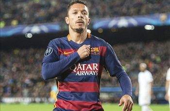 OFFICIAL: Barcelona's Adriano joins Besiktas