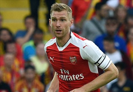 Mertesacker to become a striker!?