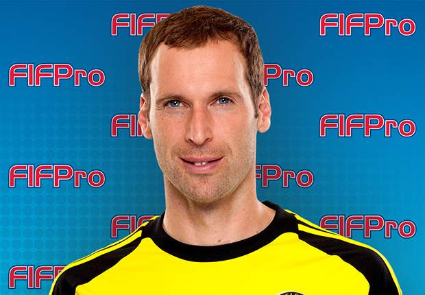 Cech tips Neuer to end Casillas's reign as FIFPro World XI goalkeeper