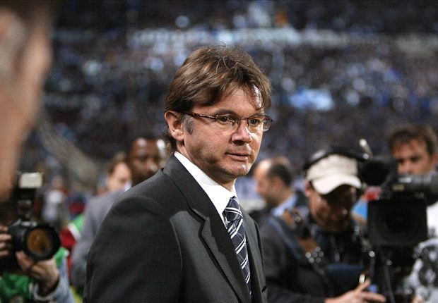 FAM set to finalise deal with Philippe Troussier
