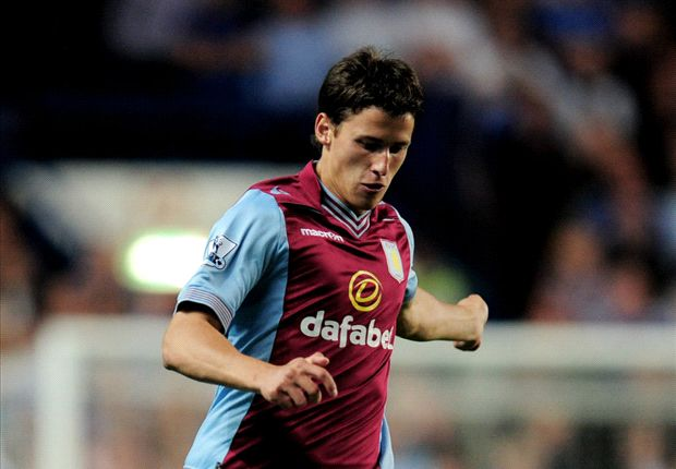 Official: Celtic take Aston Villa's Tonev on loan