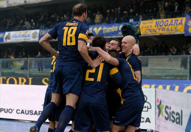 Un'esultanza del Verona di Mandorlini, rivelazione della Serie A
