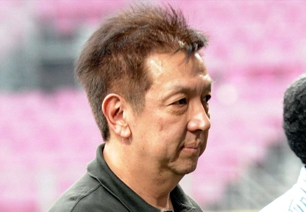 Peter Lim's Valencia bid is under threat by last minute bidders
