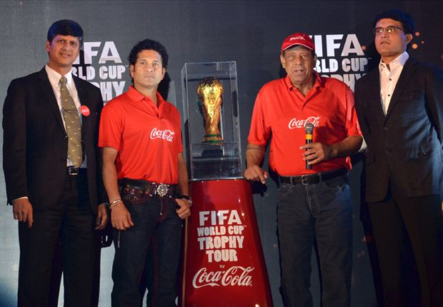 Tendulkar (second from left) feels that India can target the 2022 World Cup
